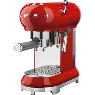 Рожковая помповая кофеварка Smeg ECF01RDEU